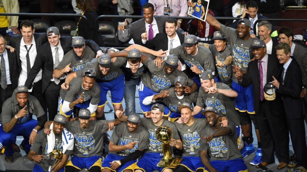 150617002934-warriors-celebrate-nba-title-group-shot-061615.1200x672